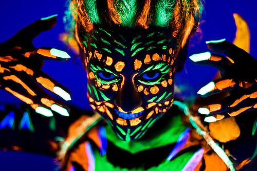 Vopsea pentru fata Fluorescenta